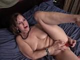 Mature MILF Lynn Saggy Tits Masturbation In Bed