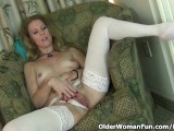 American Milf Lacy Plays With Her Mature Pussy
