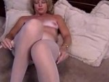 Mature_Blonde_masturbante_in_pantyhose_and_dildo